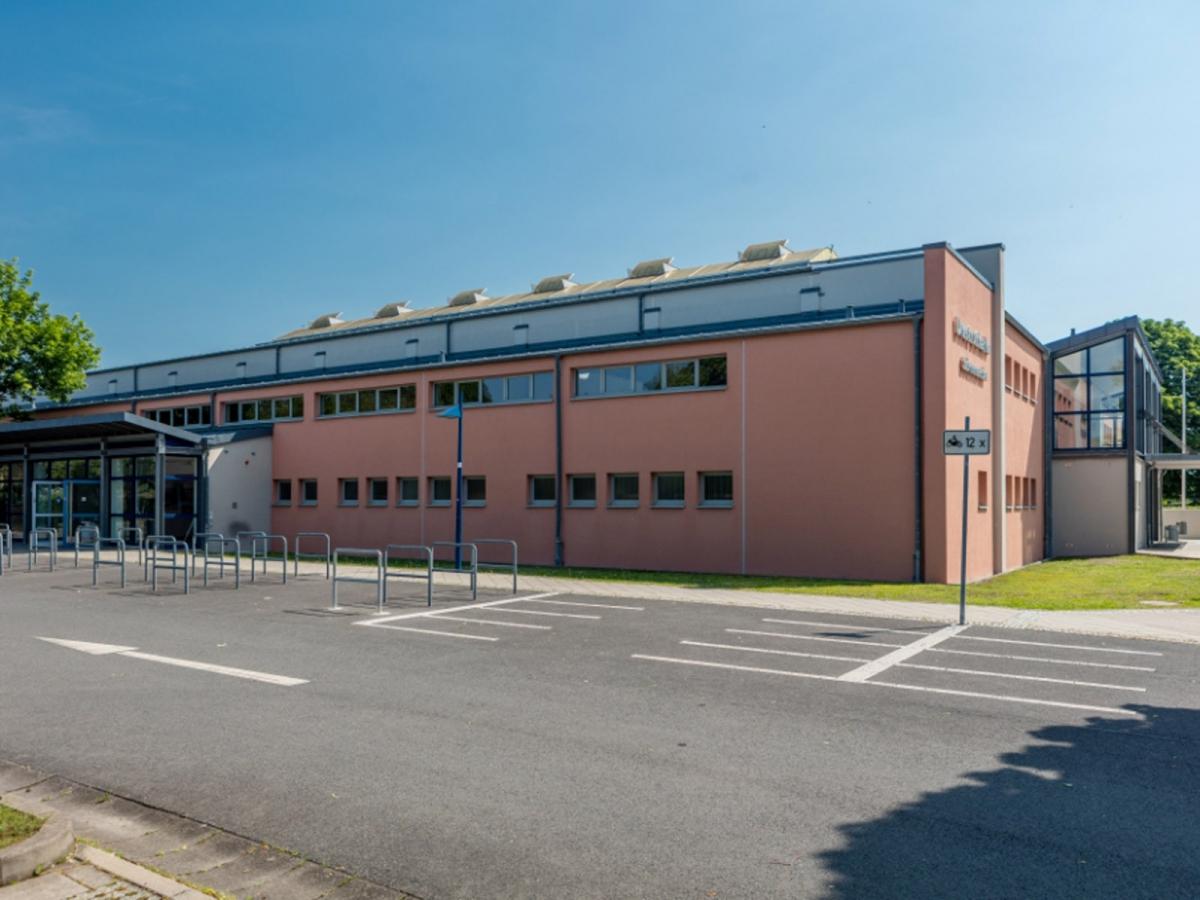 "Neubau Dreifeldhalle ""Unstruthalle"" Sömmerda"