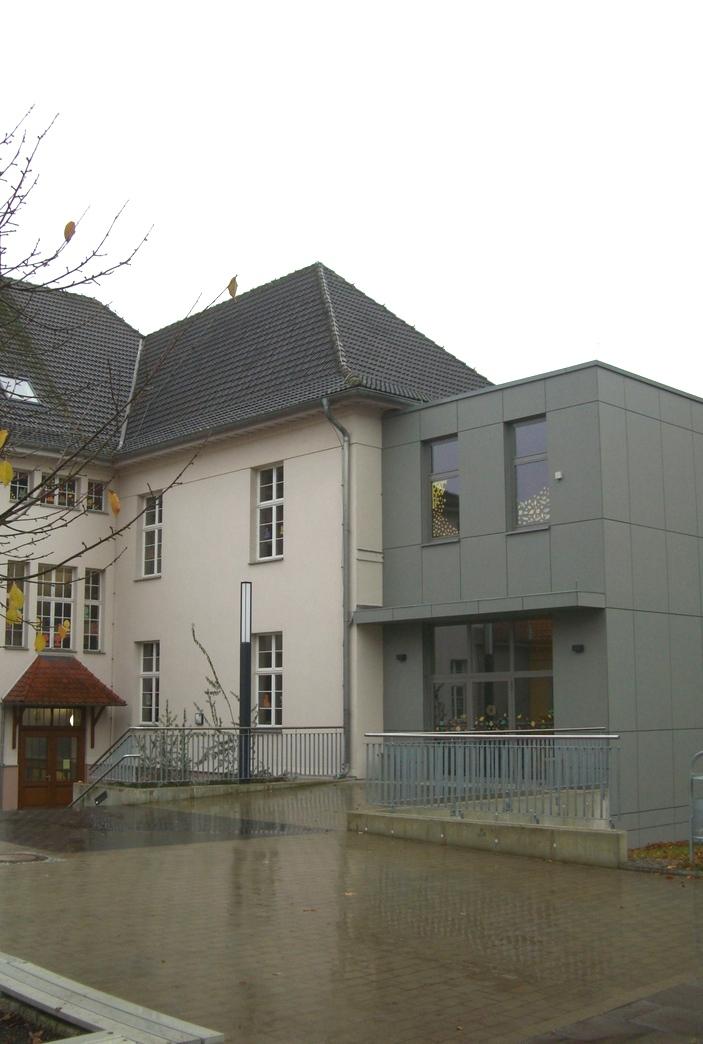 Anbau Treppenhaus mit Fahrstuhl Grundschule Rastenberg